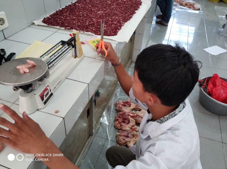 3 penimbangan sampel daging untuk uji pH dan lemak daging